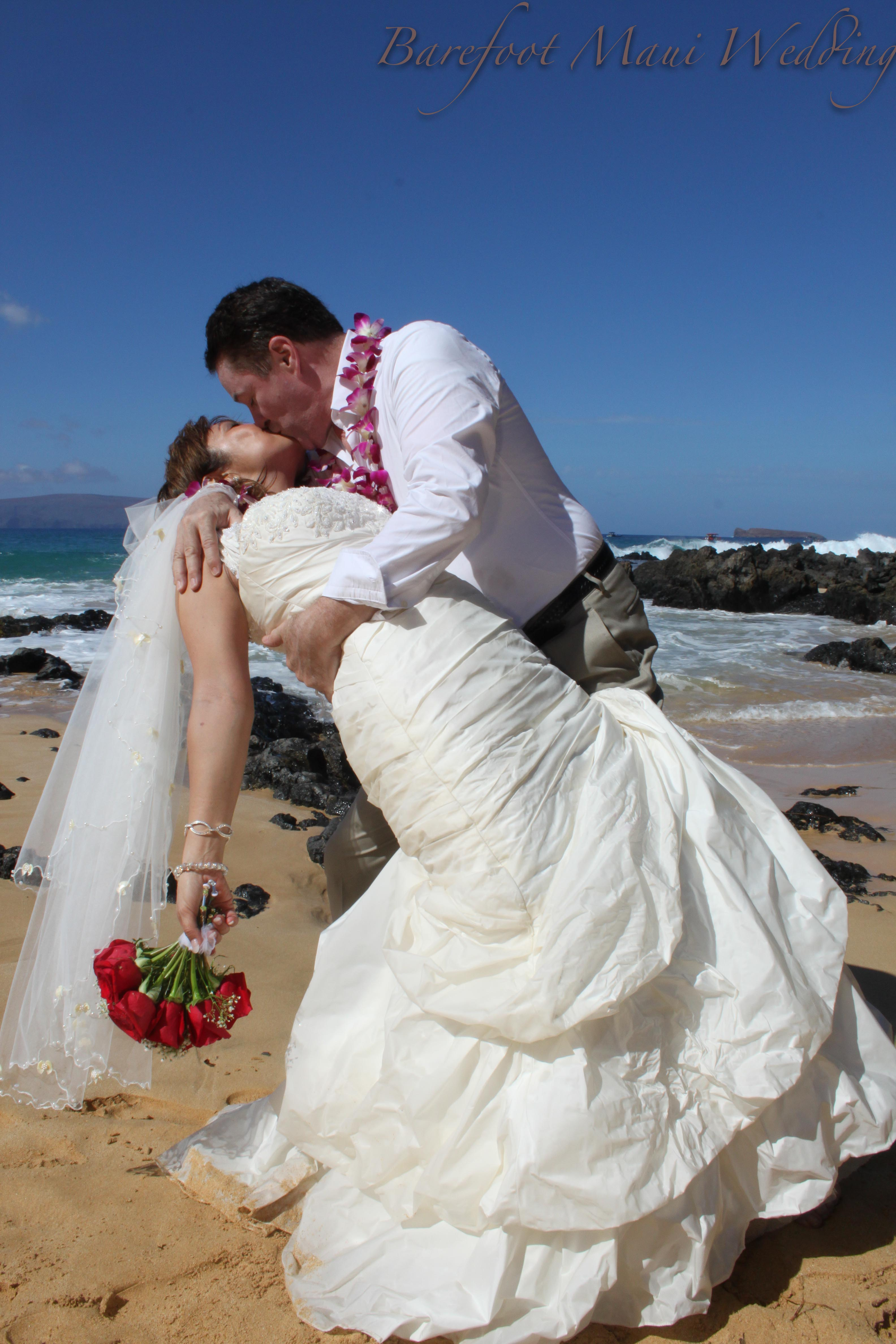 Maui Wedding Photography Reviews: Barefoot Maui Wedding Romanticc PHotography