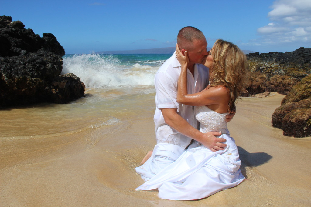 Barefoot Maui Weddings and Maui Vow Renewals Trash the Dress photo