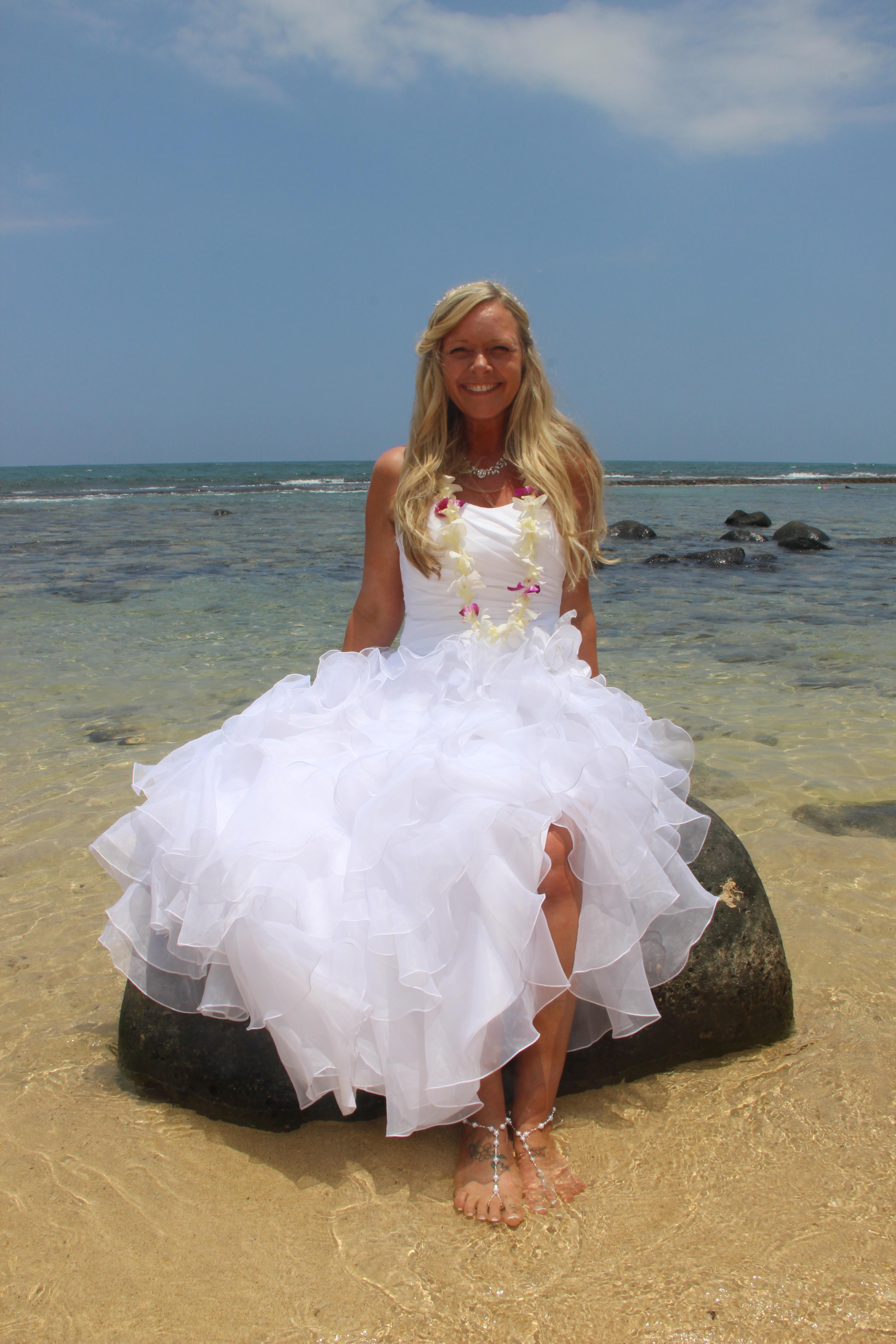 Maui Vow Renewals Barefoot Maui Wedding Trash the Dress photo of ...